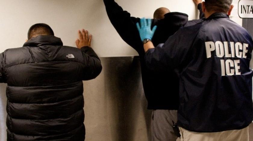 "Denuncian activistas que ICE ""baña"" con potente químico a inmigrantes contra coronavirus en California(FB Oficial)"