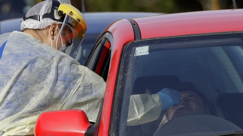 n nuevo y desconcertante brote del coronavirus en la ciudad más grande de Nueva Zelanda aumentó a 17 casos el jueves, y los funcionarios dijeron que es probable que el número aumente aún más.(AP)