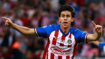 Supuesta novia de Macías da a entender que futbolista fichó con la Real Sociedad; él lo niega
