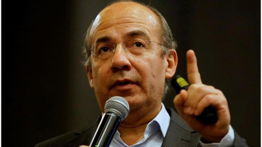 Restringe Felipe Calderón sus tuis; no cualquiera puede responderle(EFE)