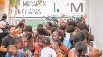 Destituyen por corrupción a más de mil 40 servidores públicos del INM