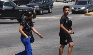En las calles se empieza a perder el cuidado y la sana distancia que la epidemia del coronavirus exige