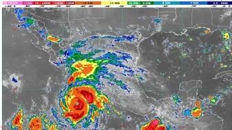 """A las 14:00 horas de este martes, el huracán """"Genevieve"""", de categoría 4 en la escala Saffir-Simpson, se localizaba a 485 km al sur-sureste de Cabo San Lucas."""