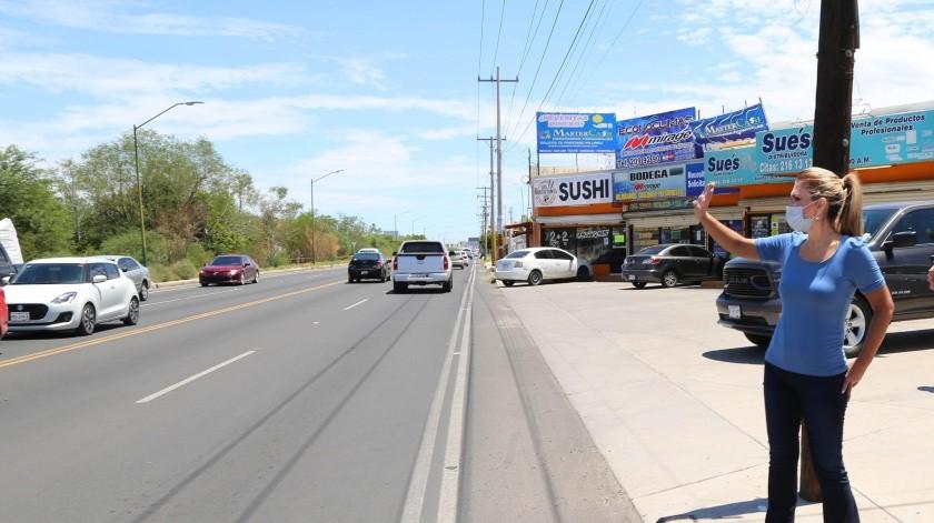 La gobernadora Claudia Pavlovich recorrió la vialidad que fue rehabilitada en Hermosillo.(ESPECIAL)