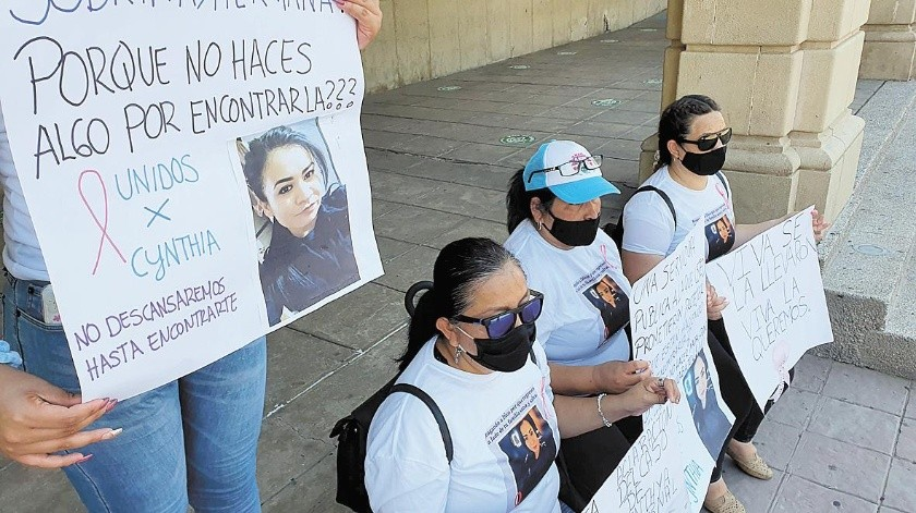 Martha Patricia Mercado, madre de la policía desaparecida, dijo estar desesperada, ya que a pesar de haber interpuesto la denuncia ante la Agencia Ministerial de Investigación Criminal (AMIC) aún no hay avances.(Especial)