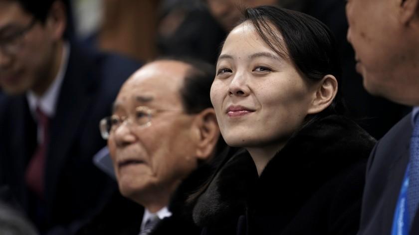 Kim Yo-jong, la hermana menor del líder norcoreano, se ha convertido en años recientes en una de las mujeres más poderosas de Corea del Norte después de ser promovida para ocupar cargos en la dirección del país.(AP)