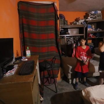 """Mientras la SEP alista el regreso de """"Aprende en Casa"""" para un inusual ciclo escolar, cientos de familias en Sonora y México enfrentan el reto de acceder a las clases sin tener las herramientas."""