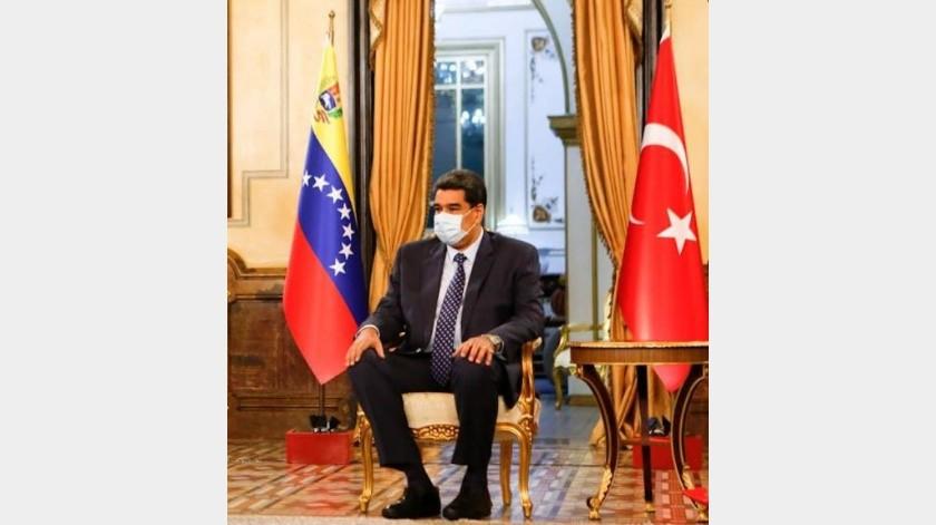 Nicolás Maduro evalúa comprar misiles a Irán(Twitter)