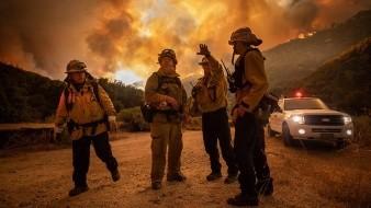 Reportan un muerto y cuatro desaparecidos en uno de los mayores incendios de California
