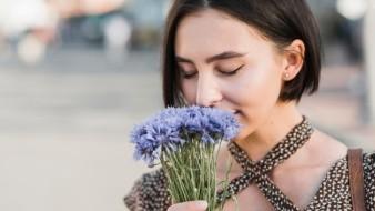 Perder el sentido del olfato es síntoma de coronavirus, pero también de un simple resfriado.