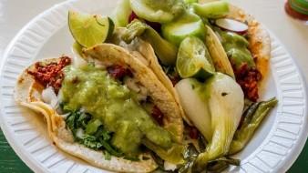 Da sabor y color a tus tacos con esta salsa de calabaza.
