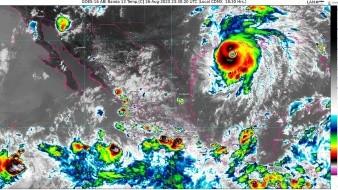 A las 19:00 horas, tiempo del centro de México, el centro de Hernan se localizó aproximadamente a 195 kilómetros (km) al suroeste de Manzanillo, Colima.