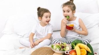 Realiza un refrigerio balanceado para tus hijos durante el periodo de escuela en casa.