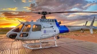Rescatan en helicóptero a migrantes de montañas en Yuma