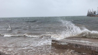 """Cierran el puerto de Yavaros por amenaza de tormenta tropical """"Hernán"""""""