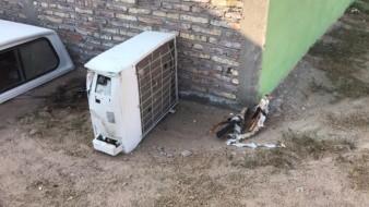 El robo ocurrió la mañana de este viernes en un domicilio de la avenida Tamaulipas, entre las calles 39 y 40, donde le causó daños en una refrigeración mini split, y donde se robó dos bicicletas y cableado eléctrico.El robo ocurrió la mañana de este viernes en un domicilio de la avenida Tamaulipas, entre las calles 39 y 40, donde le causó daños en una refrigeración mini split, y donde se robó dos bicicletas y cableado eléctrico.