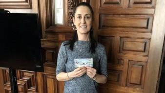 Claudia Sheinbaum, Jefa de Gobierno de CDMX, compra cachitos para rifa de avión presidencial