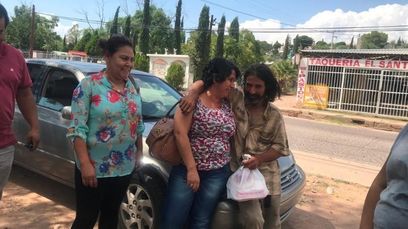 Además de Guadalupe, también llegó a esta ciudad Margarita, otra hermana, así como sobrinas y sobrinos, incluso la madrina de él, todos con la intención de llevar a Juan de Dios de regreso al pueblo de Buenavista.
