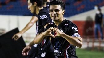 Miguel Vallejo celebra el segundo gol de Cimarrones en el partido del jueves.