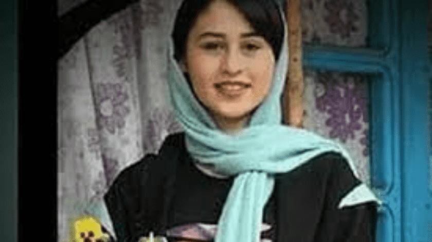 Polémica por condena de 9 años de prisión a un hombre que decapitó a su hija adolescente en Irán(Twitter @AlinejadMasih)