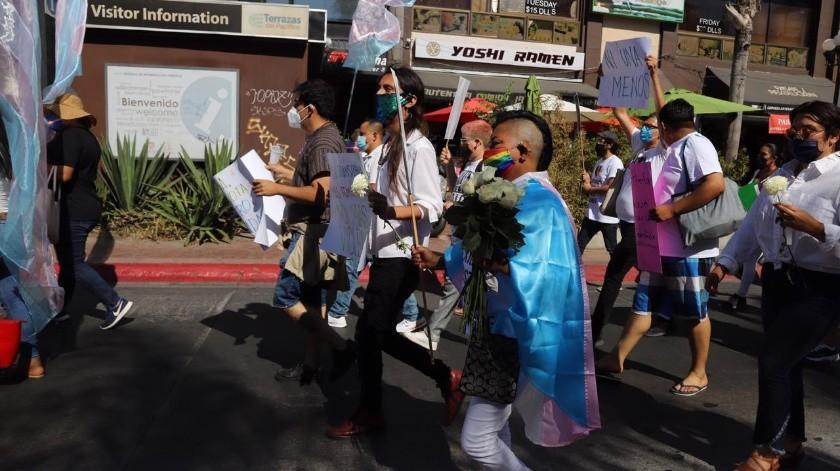Exigen con marcha resolver asesinato de mujer transexual(Sergio Ortiz)