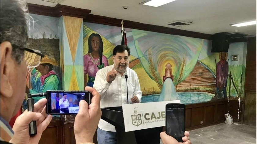 Noroña, quien se ha opuesto rotundamente a que el PRI presida San Lázaro, reconoció que López Obrador decidió que el PRI encabece la Cámara de Diputados y dijo que verán que deciden los compañeros de Morena esta tarde.(Archivo GH)