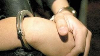 Los policías lograron arrestar al hombre que sacaba las monedas de una tienda en la colonia Privadas del Real.