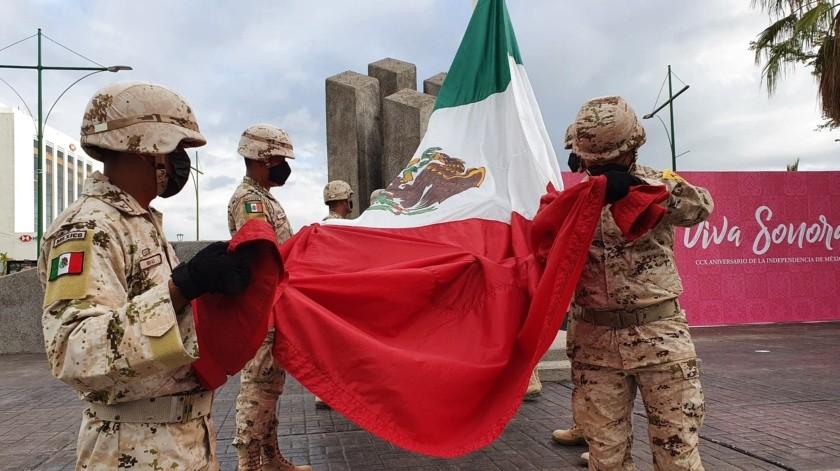 Izan a media asta bandera en Sonora; Gobernadora reconoce valentía del personal de Salud(Julián Ortega)
