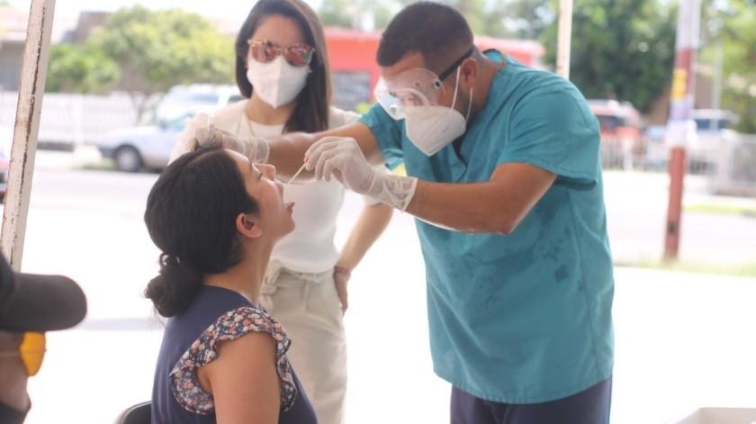 Durante la jornada de salud también aplicaron vacunas contra hepatitis, rubéola y sarampión.(Especial)