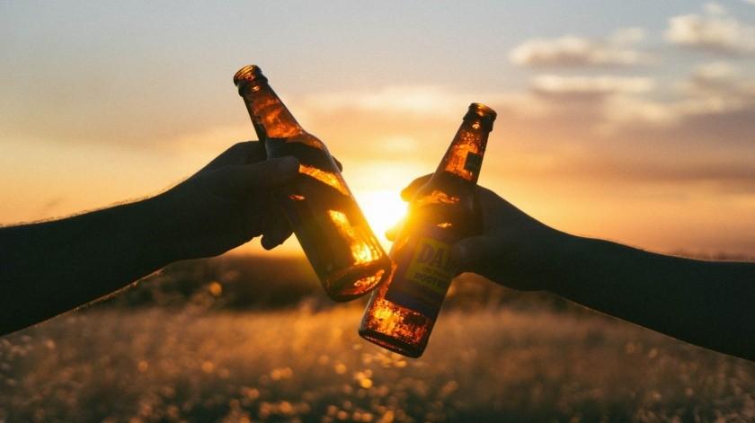 Abrirán cines, casinos y ampliarán horario de venta de bebidas alcohólicas en Guaymas(Pixabay / Ilustrativa)