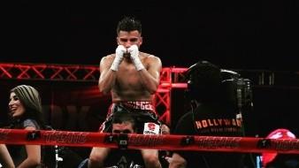 Hace cinco años ganó e hizo una defensa del título juvenil intercontinental del Consejo Mundial de Boxeo.