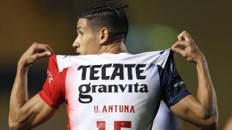 Chivas dominan a los Tigres y Antuna anota su primer gol en la Liga MX