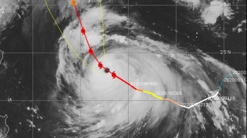 """Haishen, el décimo tifón de la temporada, está catalogado como """"muy fuerte"""" por la Agencia meteorológica de Japón (JMA)."""