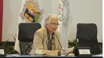 Segob pide a feministas instaladas afuera de CNDH entablar diálogo