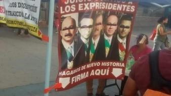 Recaban firmas en Tijuana para consulta sobre juicio a ex-presidentes