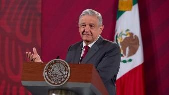 Loret indica que Calderón es el enemigo perfecto para el mandatario, y que no representa ninguna amenza.