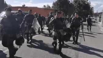 Campesinos desalojan a Guardia Nacional de presa en Chihuahua