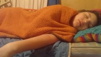 Galia ha tenido dolores muy fuertes por las piedras en el riñón; necesita medicamentos y dinero para la cirugía