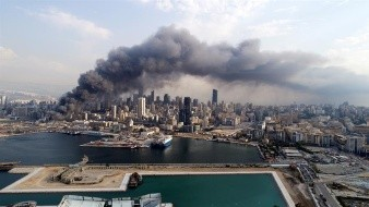 Un fuertemente sacude nuevamente en la ciudad de Beirut, Líbano.