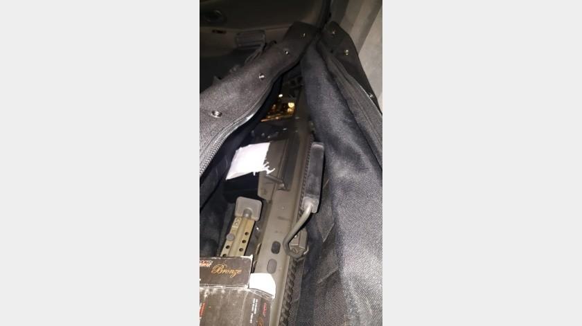 Con frecuencia se logran decomisos de armas en las fronteras de Nogales, tanto en garitas como en colonias.(Especial)