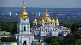 El líder de la Iglesia Ortodoxa de Ucrania está recuperándose en un hospital de Kiev.