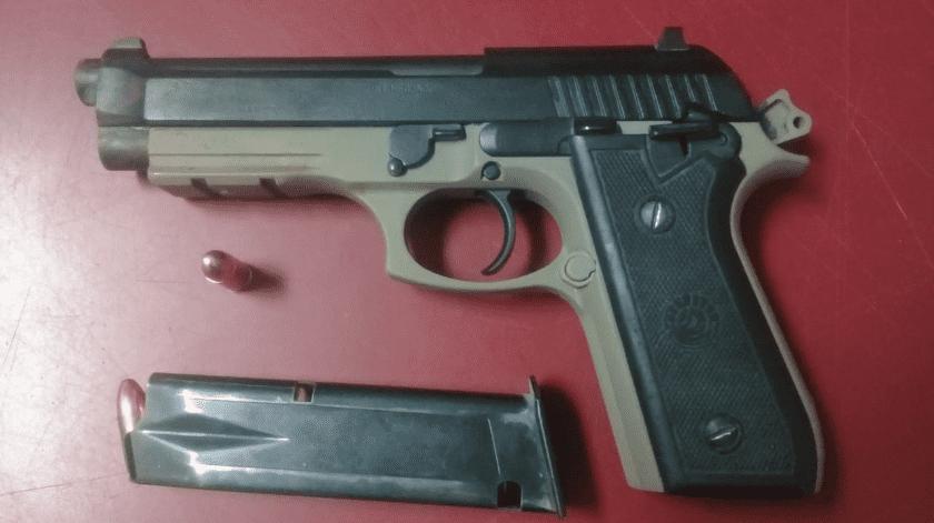 Aseguran pistola tras riña en SLRC(Cortesía)