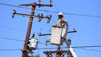 La propuesta del Gobierno Federal, habla sobre una inversión en San Luis Río Colorado para brindar energía a Mexicali, mientras que la del Gobierno del Estado incluye el proyecto de la planta fotovoltaica.