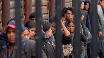 Los 24 migrantes fueron puestos a disposición de la Patrulla Fronteriza para su procesamiento, mientras que el conductor del vehículo fue arrestado por los agentes federales.