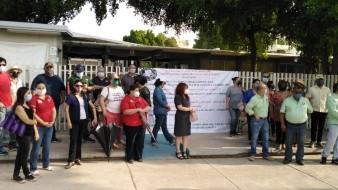 Alrededor de 60 integrantes del sindicato del Cobach acudieron a la manifestación en el plantel Villa de Seris