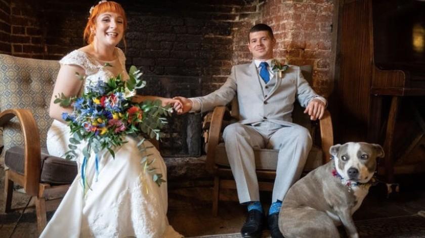 Novios se las ingenian para que vayan sus amigos a la boda(Tomada de la red)