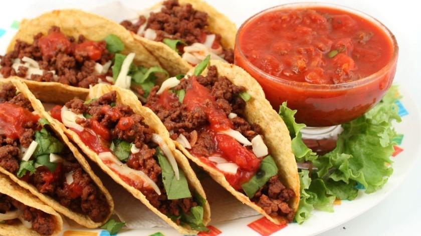 Aunque los tacos son uno de los platillos más populares en México, durante las Fiestas Patrias son desbancados por el pozole(Banco digital)