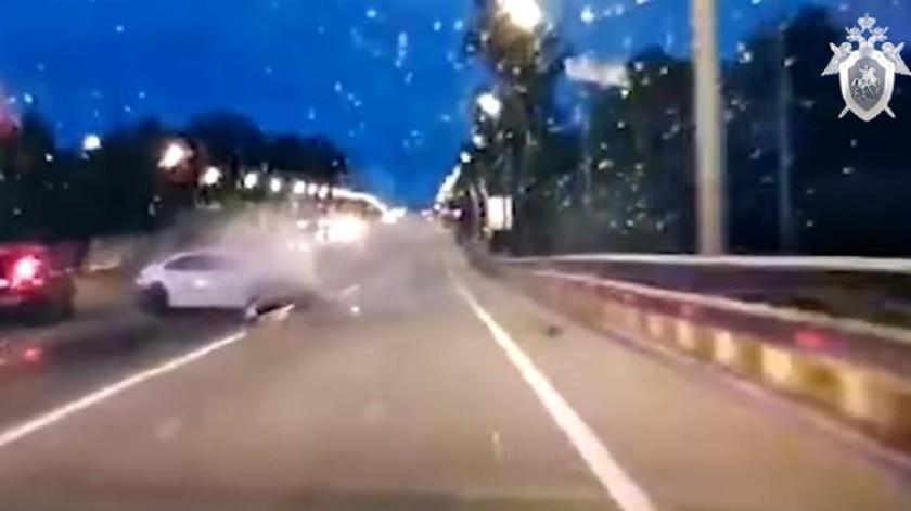 Jóvenes generan caos al robar un carro(Tomada de la red)