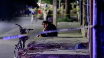 Asesinan a mujer a tiros en colonia Olivares; queda tendida en su puerta