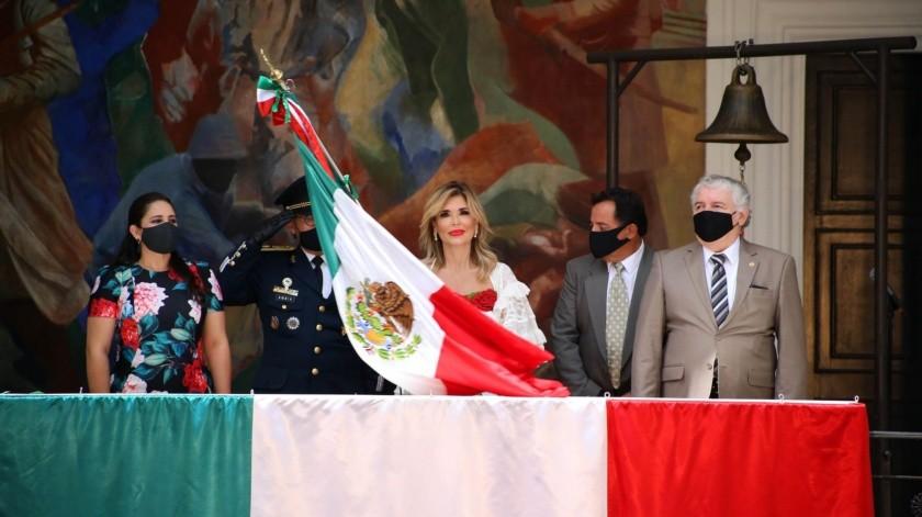Claudia Plavlovich da Grito de Independencia virtual ante Covid-19; agradece a personal de salud(Gobierno del Estado de Sonora)